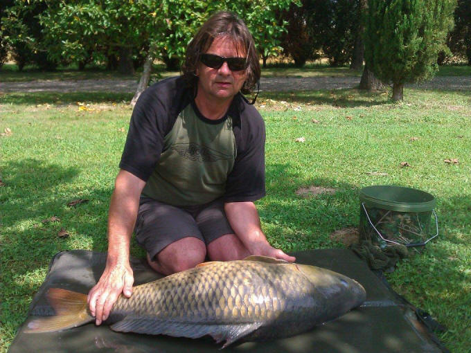 Simons big carp fishing holiday in france for What does a tuna fish look like