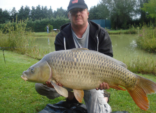44-lb-common-carp-from-smallwater-lakes-france