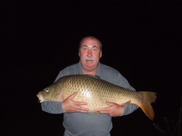 43-lb-common-carp-from-smallwater-lake-france