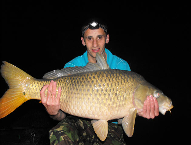 30lb-common_carp-caught-on-fishing-holiday-in-France