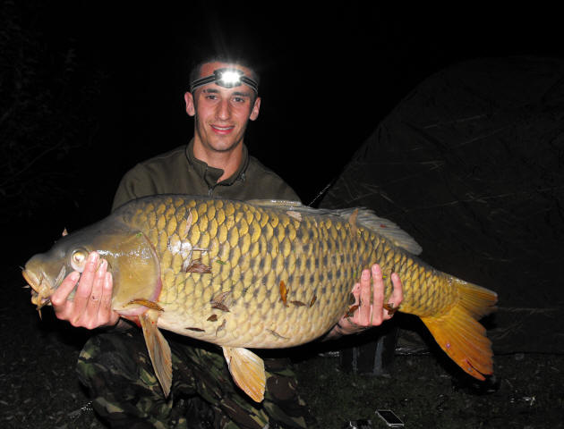 33lb-common_carp-caught-on-fishing-holiday-in-France