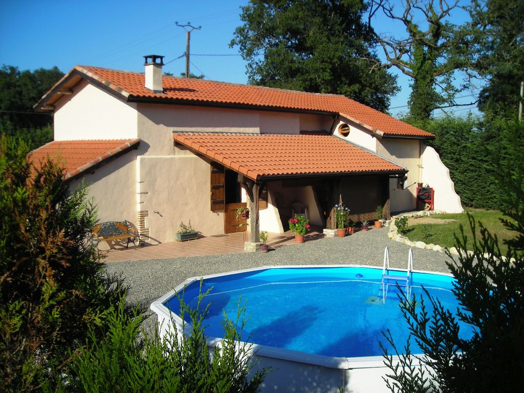 carp_fishing_france_the_fishing_lodge_farmhouse_barn_holiday_house_gite