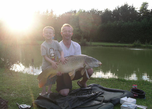 36-lb-common-carp-from-smallwater-lakes-in-france