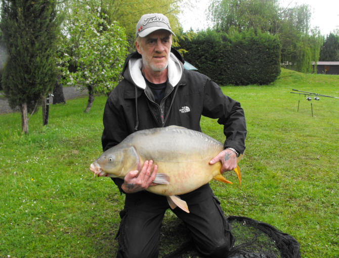 carp-fishing-in-france-with-king-carp-tours