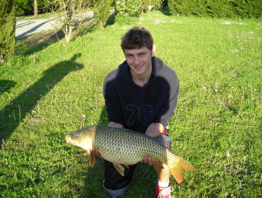20lb-carp-from-smallwater-lake-france